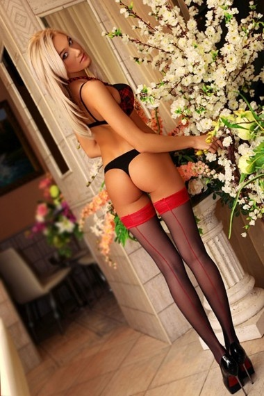 Julia, beautiful Russian escort who offers company in Rome