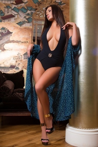 Lona, beautiful Russian escort who offers 69 in Rome