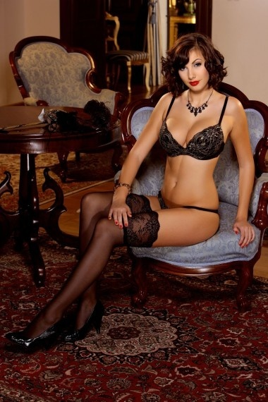 Palada, beautiful Russian escort who offers massages in Rome