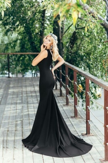 Olga, beautiful Russian escort who offers dates in Rome