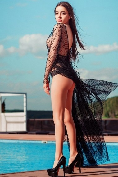 Gymar, beautiful Russian escort who offers dates in Rome