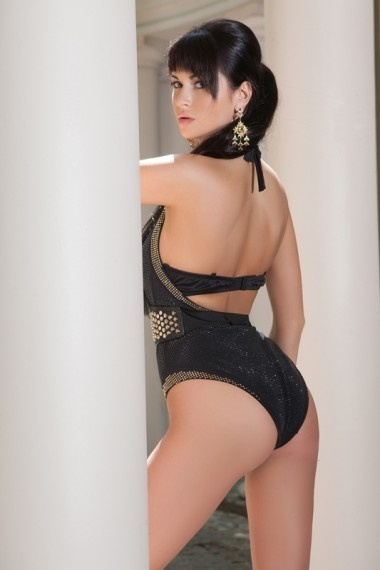 Zarina, beautiful Russian escort who offers girlfriend experience in Rome